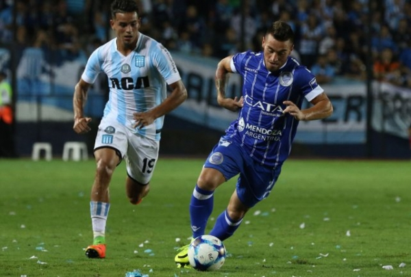 Racing superó a Godoy Cruz por 2 a 1 en Avellaneda