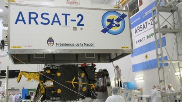 El gobierno no descarta incorporar capital privado en Arsat